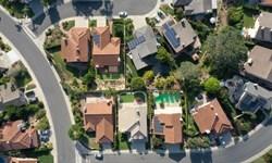 Giá bất động sản tăng vọt khắp thế giới: Có nên tiếp tục đầu tư hay bán tháo?
